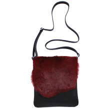 jill-en-rose-messengerbag-front-bordeaux-konijn