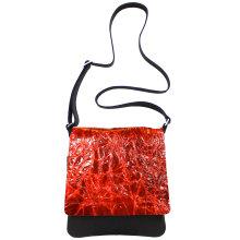 jill-en-rose-messengerbag-front-oranje-kreuk