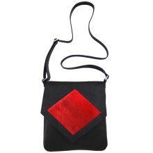jill-en-rose-messengerbagbag-front-zwart-met-ruit-springbok-rood