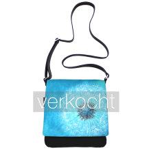 JillenRose-Messengerbag-front-rond-turquoise-paardenbloem-verkocht