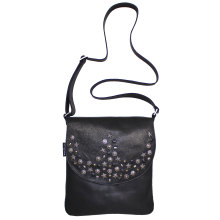 JillenRose-Messengerbag-front-zwart-studs